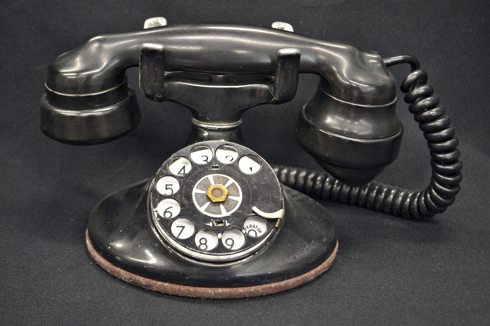 Vintage Telephone - how to contact Sarah Maidment Interiors, interior design, Berkhamsted, St. Albans, Hertfordshire